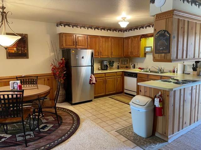 10 Aspen Street, Angel Fire, NM 87710 (MLS #106747) :: Chisum Realty Group