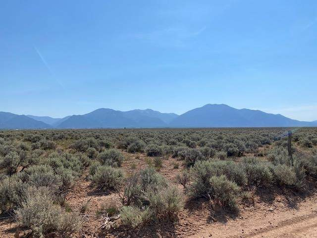 000 Mesa Sea, El Prado, NM 87529 (MLS #107118) :: Berkshire Hathaway Home Services