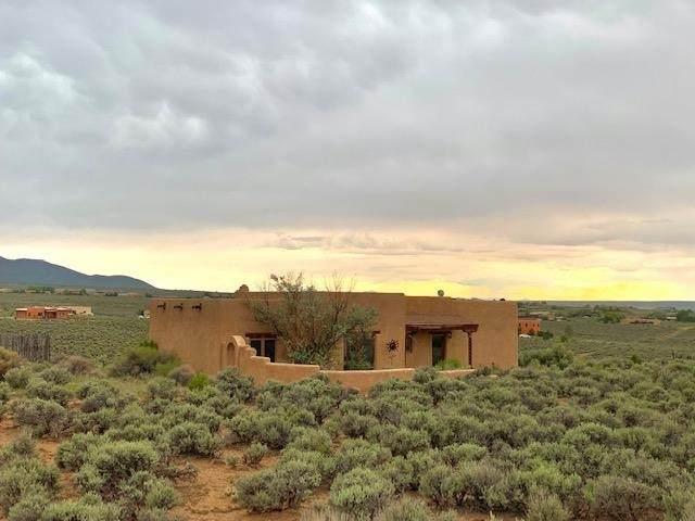 18 Calle Del Sol, Ranchos de Taos, NM 87557 (MLS #107496) :: Chisum Realty Group