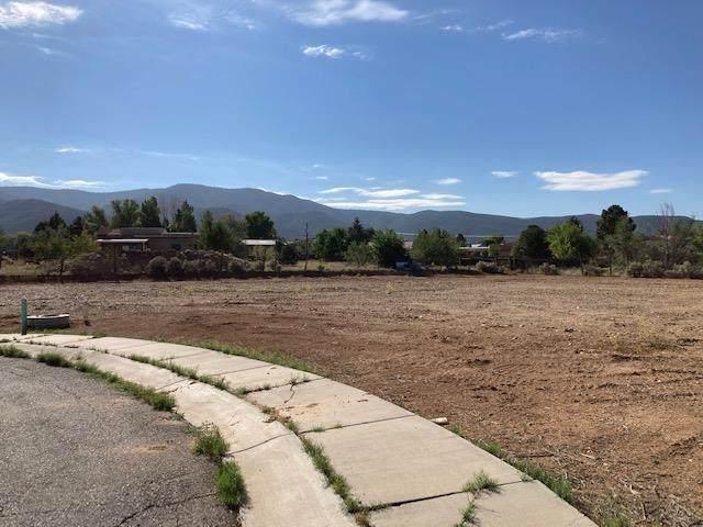 Lot 5 Vista Primavera, Taos, NM 87571 (MLS #107796) :: Angel Fire Real Estate & Land Co.
