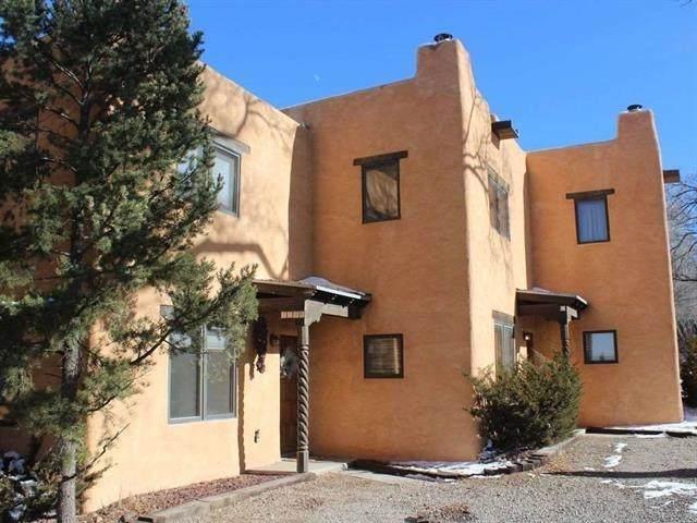 523 Camino De La Placita, Taos, NM 87571 (MLS #107896) :: Page Sullivan Group