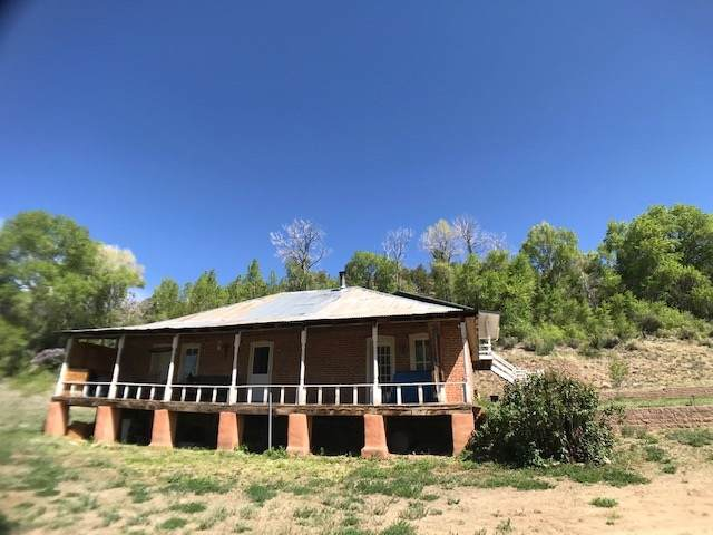 425 State Road 230, Arroyo Seco, NM 87580 (MLS #107945) :: Page Sullivan Group