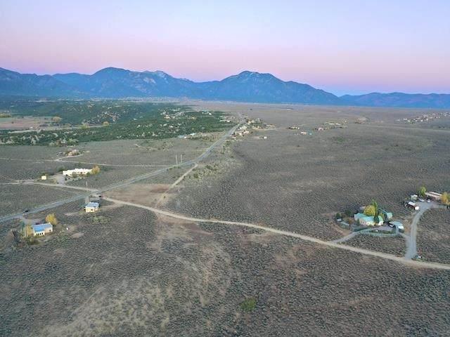 Hondo Mesa Rabbit Ridge Road, Arroyo Hondo, NM 87529 (MLS #107948) :: Berkshire Hathaway Home Services