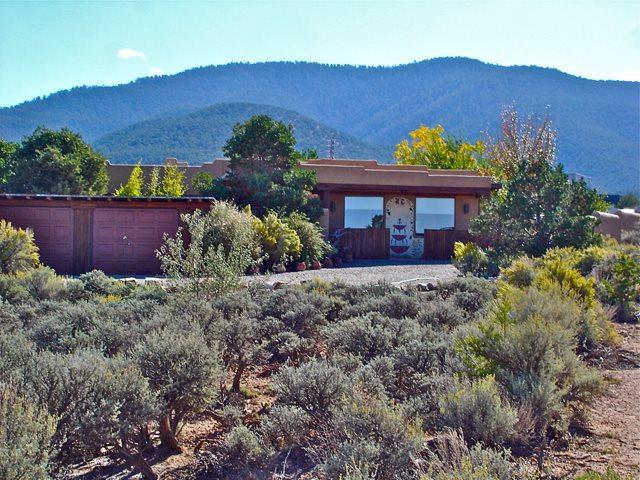 1457 Santa Cruz, Taos, NM 87571 (MLS #99243) :: Page Sullivan Group | Coldwell Banker Lota Realty