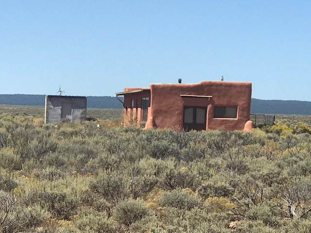 93 Coyote Moon, Tres Piedras, NM 87577 (MLS #102865) :: Angel Fire Real Estate & Land Co.