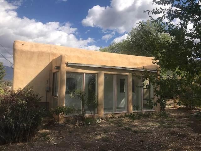 903 Baca Lane, Taos, NM 87571 (MLS #104303) :: Page Sullivan Group | Coldwell Banker Mountain Properties