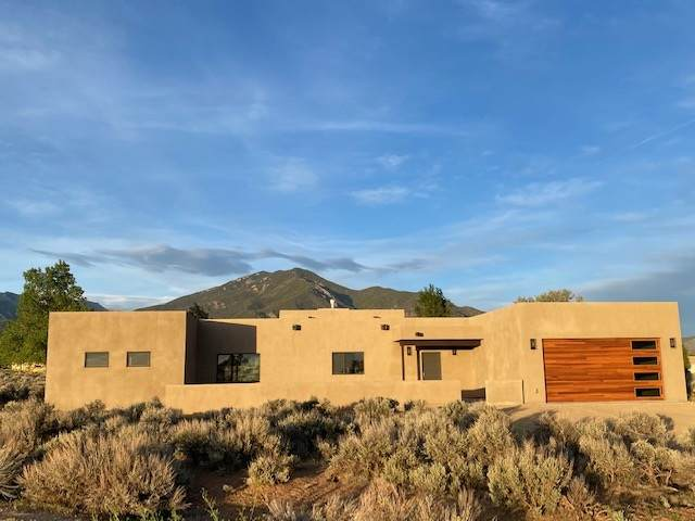 167 Upper Las Colonias, Arroyo Seco, NM 87514 (MLS #104549) :: The Chisum Realty Group