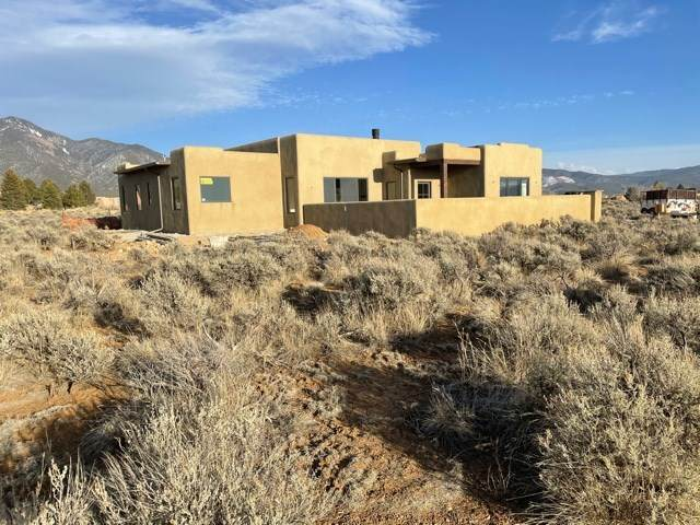 149 Upper Las Colonias Road, El Prado, NM 87529 (MLS #106143) :: Angel Fire Real Estate & Land Co.