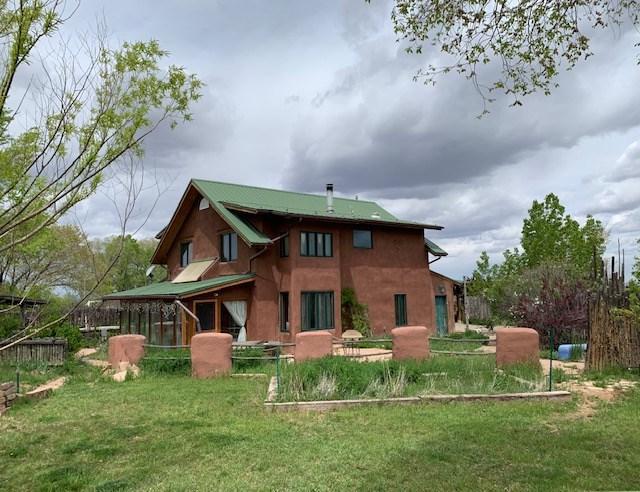 94 El Tros, Ranchos de Taos, NM 87557 (MLS #102817) :: Page Sullivan Group