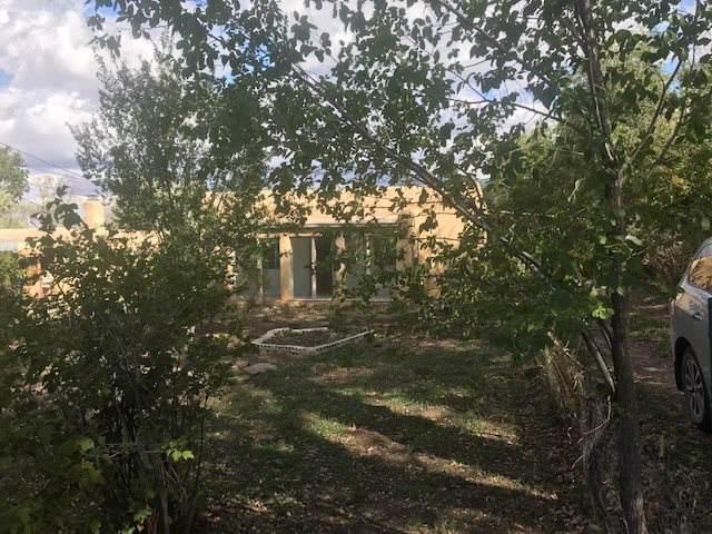 903 Baca Lane, Taos, NM 87571 (MLS #102432) :: Page Sullivan Group | Coldwell Banker Mountain Properties