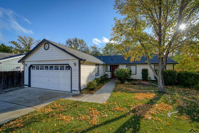 1235 Southpointe Drive, Red Bluff, CA 96080 (#20211021) :: Wise House Realty