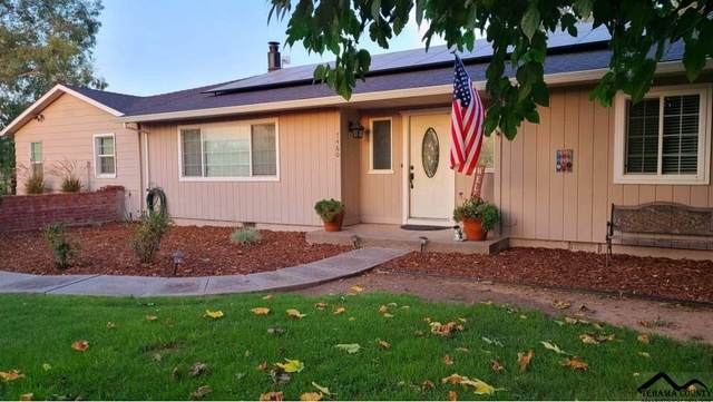 7460 Redlands Avenue, Red Bluff, CA 96080 (#20200830) :: Wise House Realty
