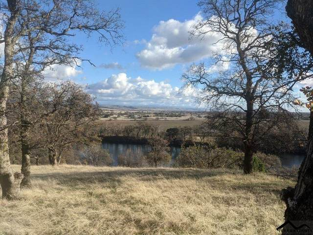 000 Knob Hill Place, Red Bluff, CA 96080 (#20210858) :: Wise House Realty