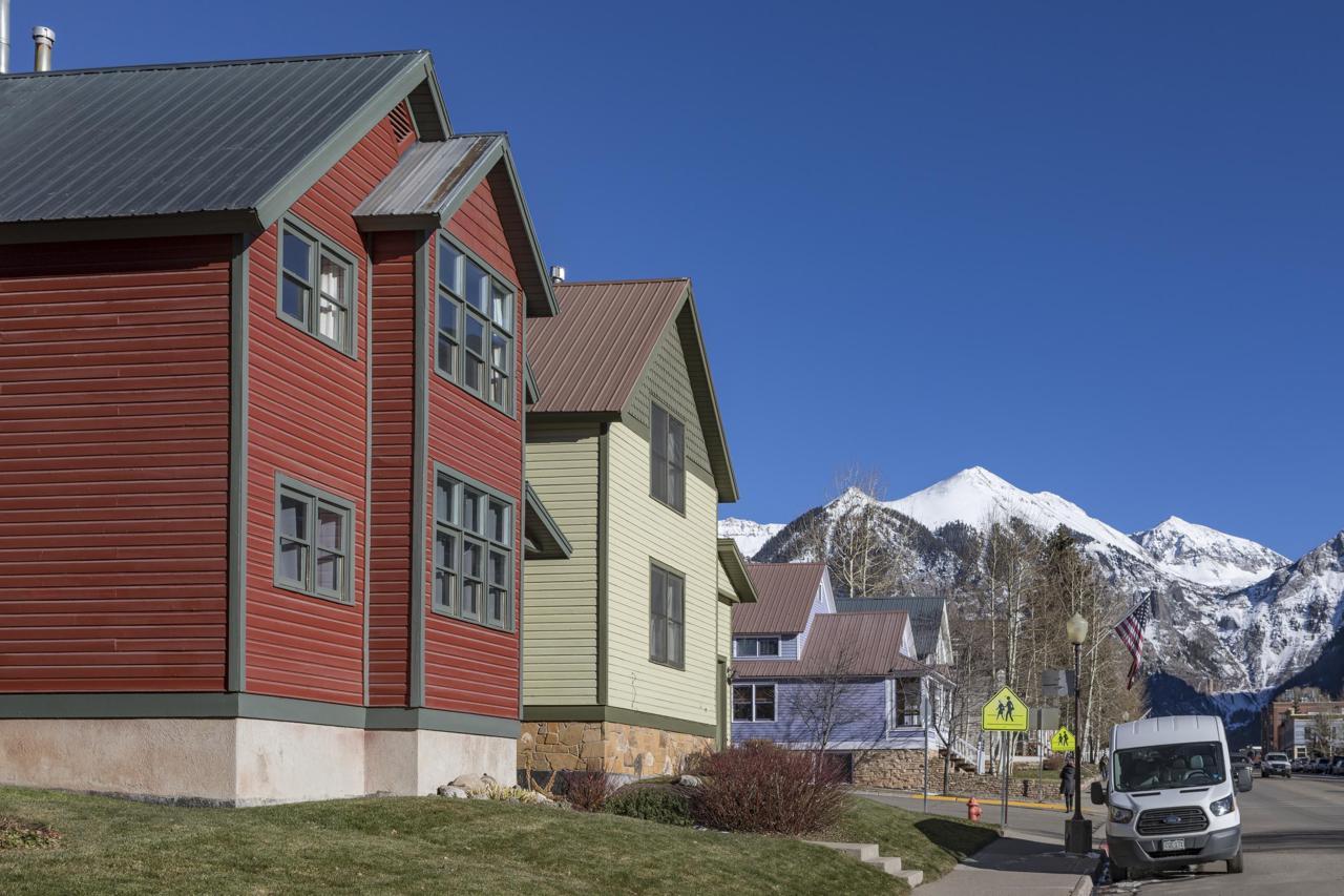 503 Colorado Avenue - Photo 1