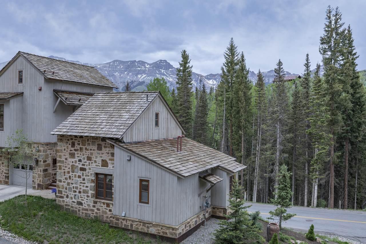 100 Cortina Drive - Photo 1