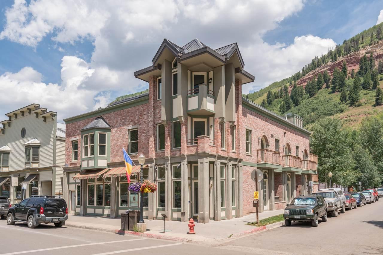 395 Colorado Avenue - Photo 1