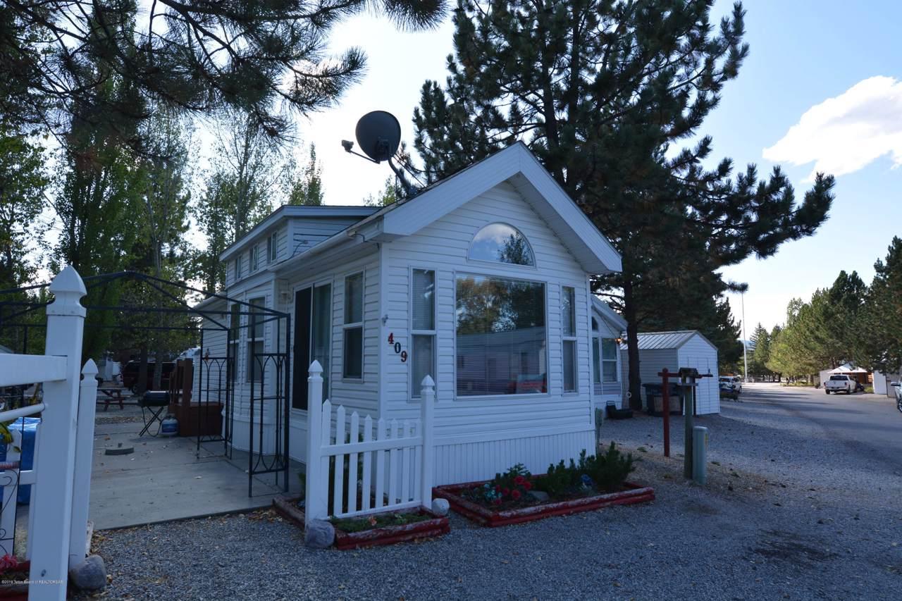 409 Saddleman Drive - Photo 1