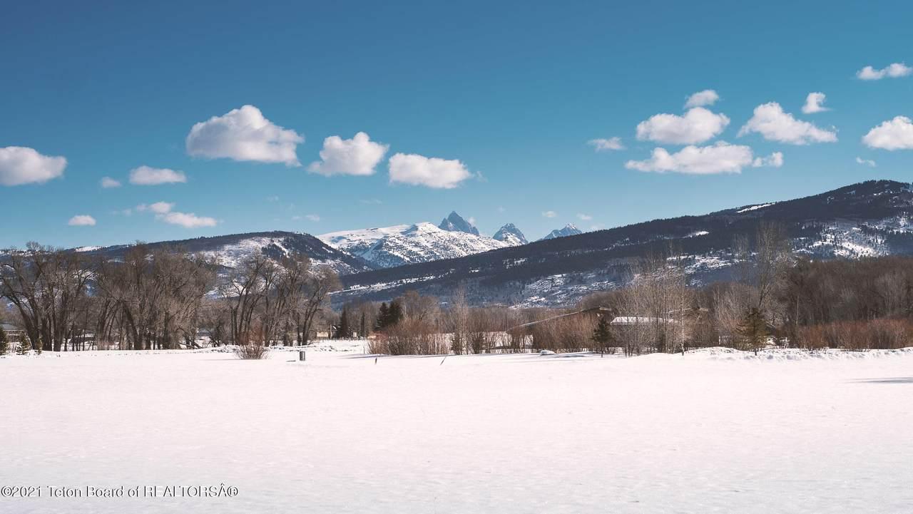 6252 Fox Meadows Dr - Photo 1