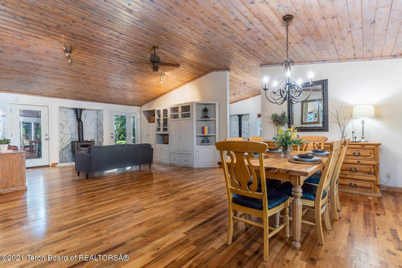 3195 Pitch Fork Dr - Photo 1
