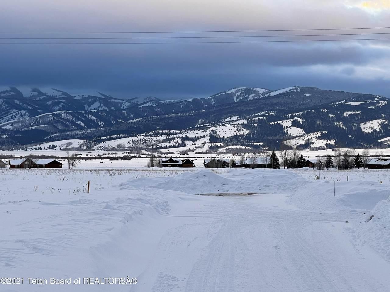 783 Peak View Estate - Photo 1