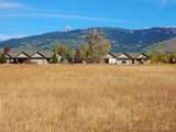 984 Farmers Trail - Photo 1