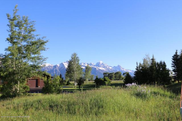 320 E Oatgrass Rd, Jackson, WY 83001 (MLS #17-1732) :: West Group Real Estate