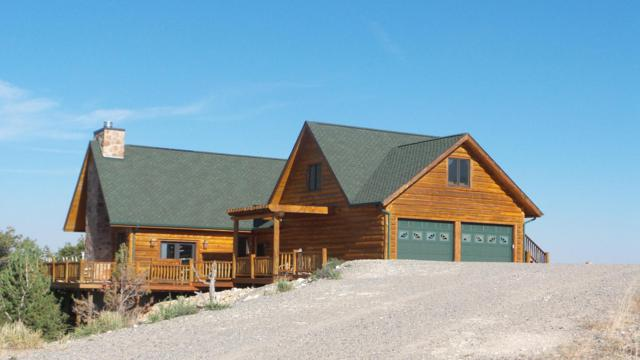 29 Hart Ct, Dubois, WY 82513 (MLS #17-2887) :: Sage Realty Group