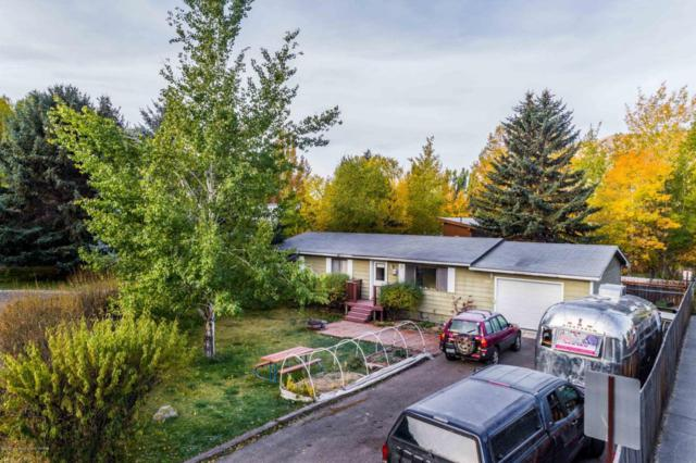 445 Scott Ln, Jackson, WY 83001 (MLS #17-2993) :: West Group Real Estate