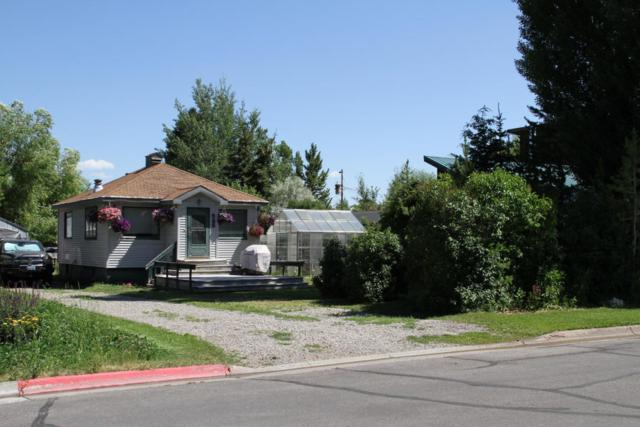 525 E Simpson Ave, Jackson, WY 83001 (MLS #18-490) :: Sage Realty Group