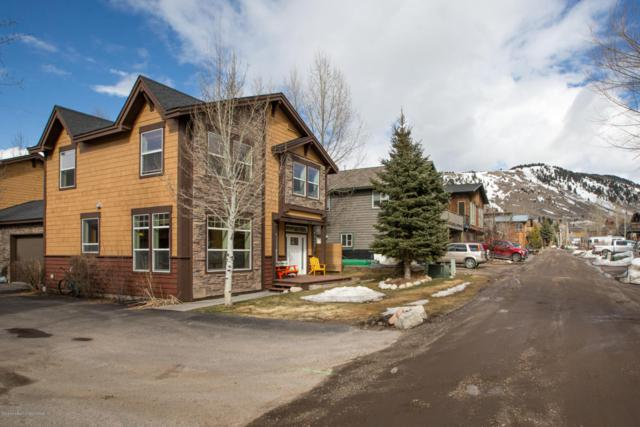 536 E Kelly Ave, Jackson, WY 83001 (MLS #18-766) :: Sage Realty Group