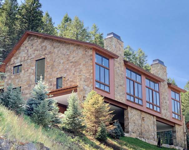 140 Pine Glades Dr, Jackson, WY 83001 (MLS #19-2703) :: West Group Real Estate