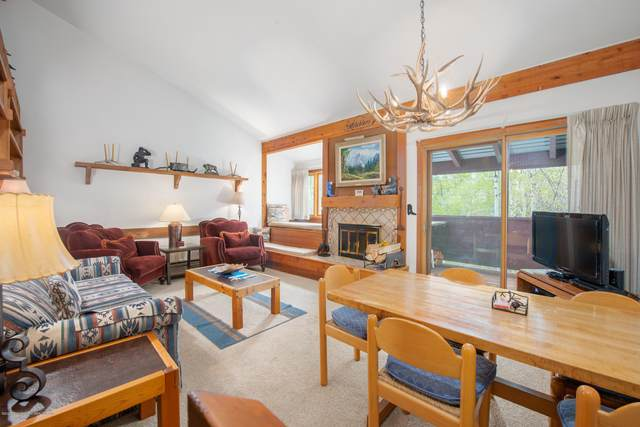 3900 S Lake Creek Drive #1222, Wilson, WY 83014 (MLS #20-1087) :: Sage Realty Group