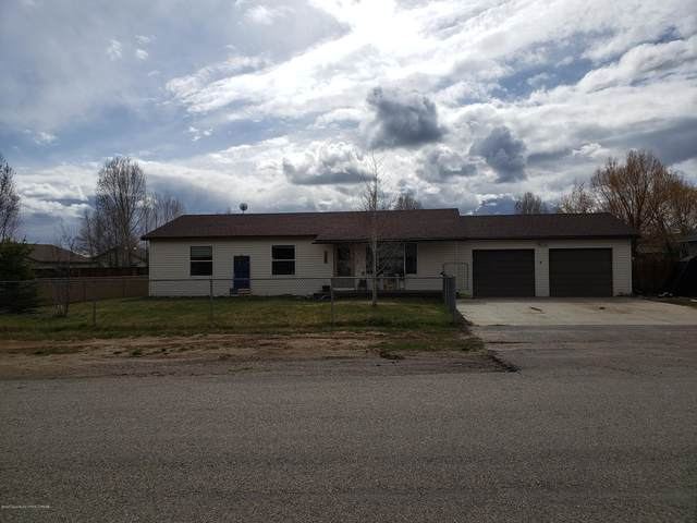 422 S Jackson St, Pinedale, WY 82941 (MLS #20-1173) :: Sage Realty Group