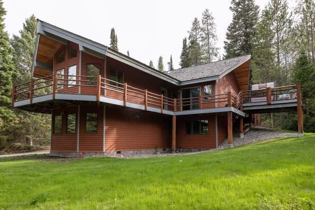 6250 W Wooded Hills Lane, Wilson, WY 83014 (MLS #20-1216) :: Sage Realty Group
