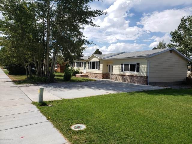27 W Rendezvous St, Pinedale, WY 82941 (MLS #20-2333) :: West Group Real Estate
