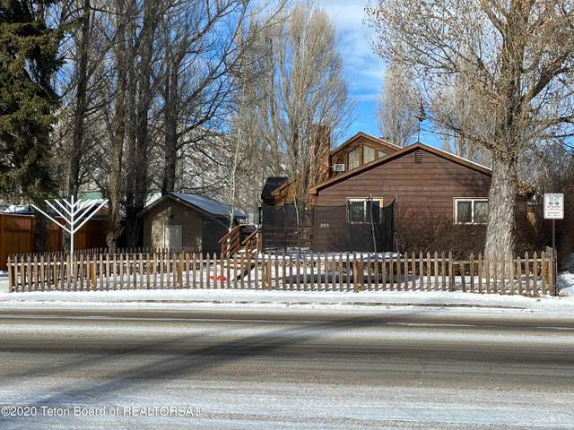 265 E Broadway Ave, Jackson, WY 83001 (MLS #20-3723) :: West Group Real Estate