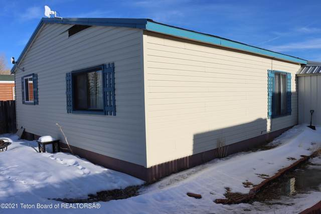 57 Twin Creek St, Diamondville, WY 83116 (MLS #21-1237) :: West Group Real Estate