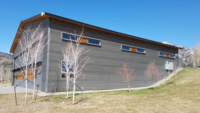 692 Alpine Village Loop, Alpine, WY 83128 (MLS #21-1353) :: West Group Real Estate