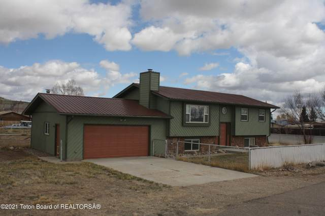 723 W Valley Rd, Labarge, WY 83123 (MLS #21-1521) :: Coldwell Banker Mountain Properties