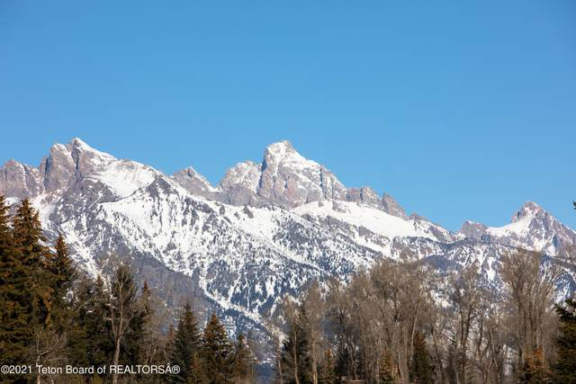 2650 W Stonecrop Rd, Jackson, WY 83001 (MLS #21-1611) :: Coldwell Banker Mountain Properties