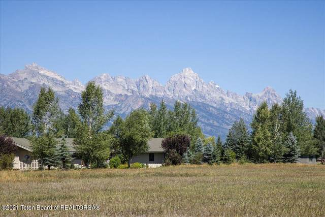 885 E Oatgrass Rd, Jackson, WY 83001 (MLS #21-2979) :: West Group Real Estate