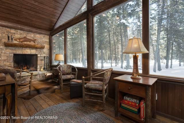 785 W Sagebrush Dr, Jackson, WY 83001 (MLS #21-525) :: West Group Real Estate