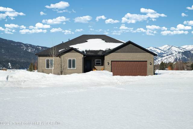 17 Oatgrass St, Alpine, WY 83128 (MLS #21-943) :: West Group Real Estate