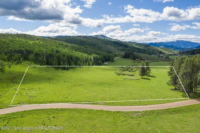 7670 S Pineglen Dr, Wilson, WY 83002 (MLS #20-1040) :: West Group Real Estate