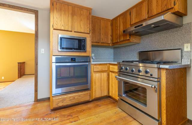 1925 W Homestead Dr, Jackson, WY 83001 (MLS #21-1197) :: Coldwell Banker Mountain Properties