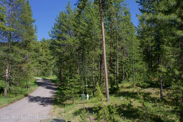 17805 N Forest Wy, Jackson, WY 83001 (MLS #21-1667) :: Coldwell Banker Mountain Properties