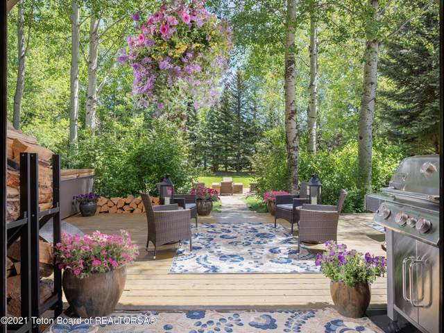 4240 S Wilson Rd, Jackson, WY 83001 (MLS #21-2035) :: Coldwell Banker Mountain Properties