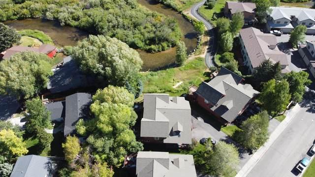 1046 Elk Run Ln, Jackson, WY 83002 (MLS #20-2376) :: West Group Real Estate