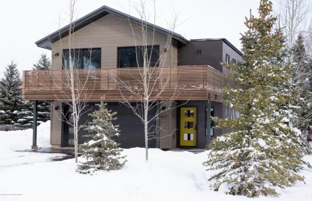 1472 N Old Schoolhouse Ln, Wilson, WY 83014 (MLS #18-3159) :: West Group Real Estate