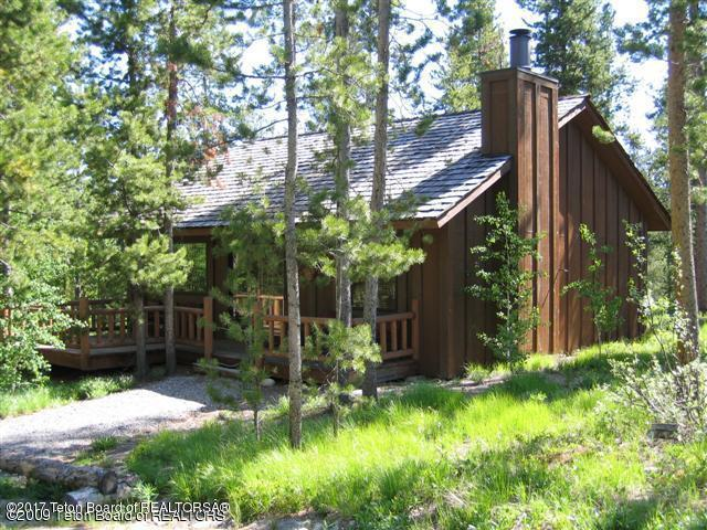 8840 Timber Ln, Jackson, WY 83001 (MLS #17-2356) :: Sage Realty Group